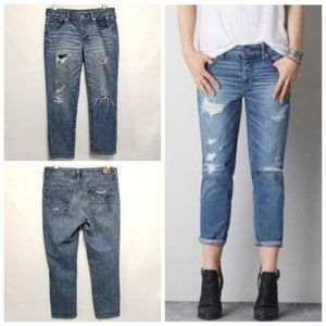 American Eagle outfitter Boy Crop Distressed Jeans